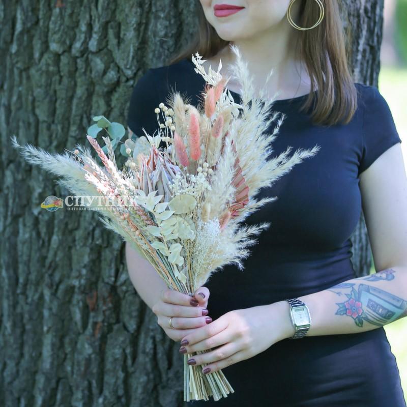 Купить букет сухоцветов в СПб, тритикум, лагурус, лино, копье, пампасная трава, эвкалипт, протея, рускус