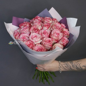 Букет 25 роз Мэджик Таймс / 2'450 руб