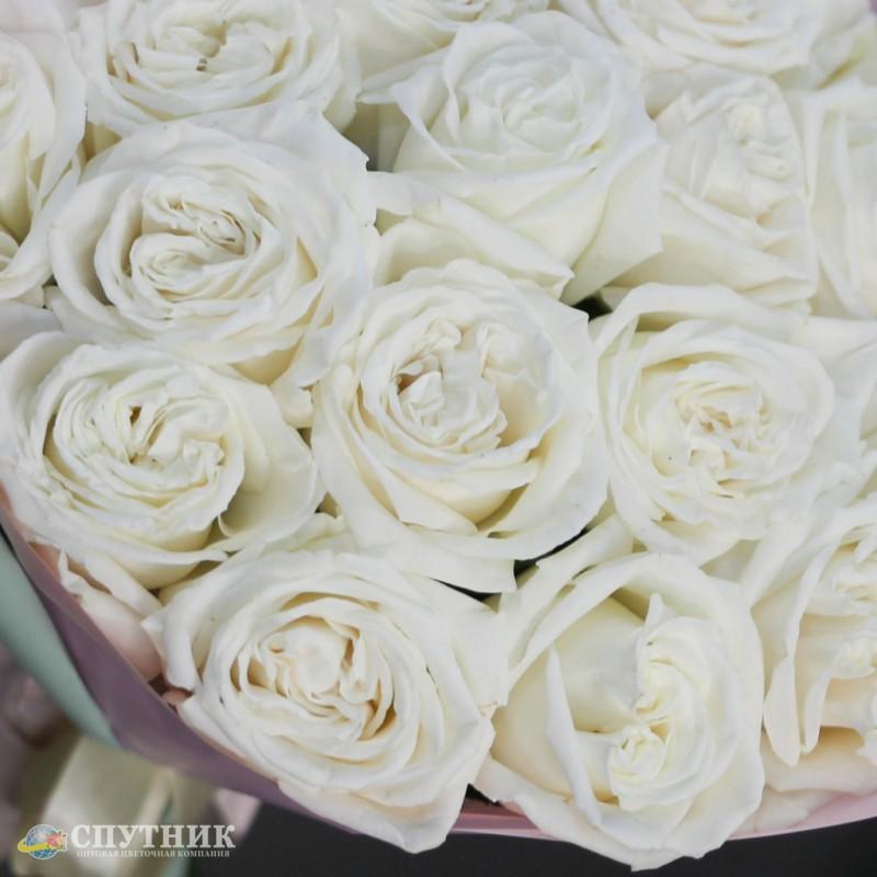 Роза плайя бланка, букет белых роз